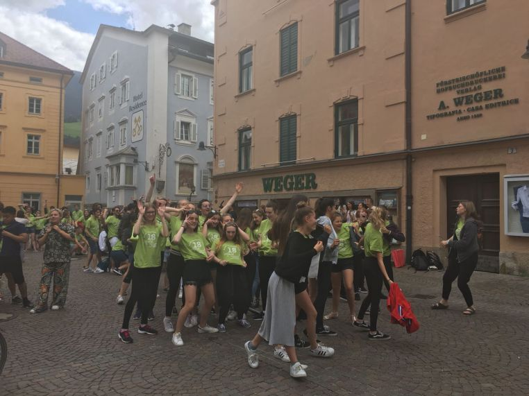 Theatretrain Basildon Flash Mob In Italy